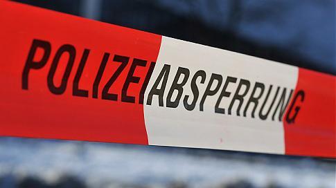 Neumühlen-Dietrichsdorf - Belohnung ausgelobt - Staatsanwaltschaft sucht Zeugen nach PKW-Brandstiftung