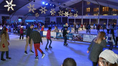 Rockige Musical-Show und kostenloses Schlittschuhlaufen - 16. Stadtwerke Eisfestival wird eröffnet