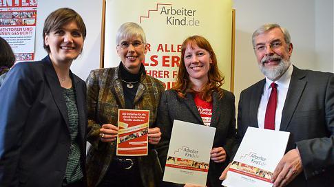 Chance auf ein Studium - ArbeiterKind.de eröffnet Büro an Kieler Universität